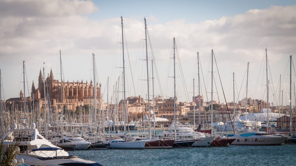 Avoid Crowds in Palma de Mallorca