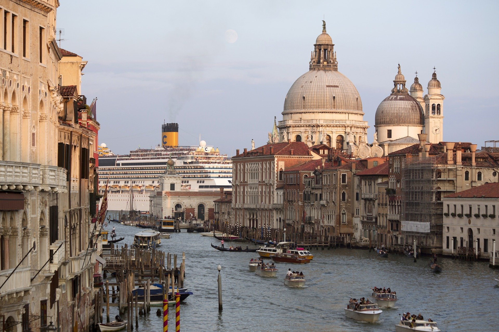Venice Cruise Schedule May 2019 – Including passenger numbers