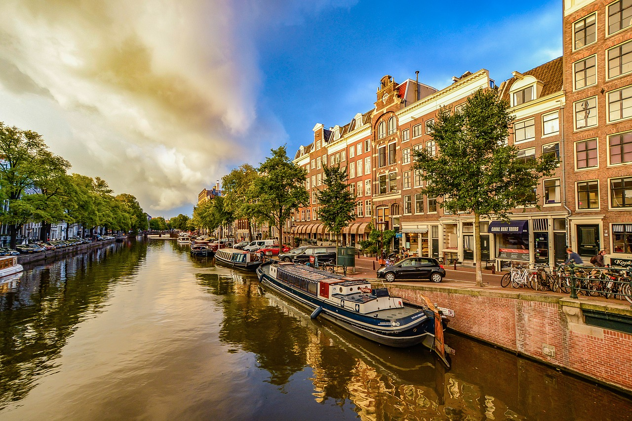 Airbnb usage drops in Amsterdam for the first time