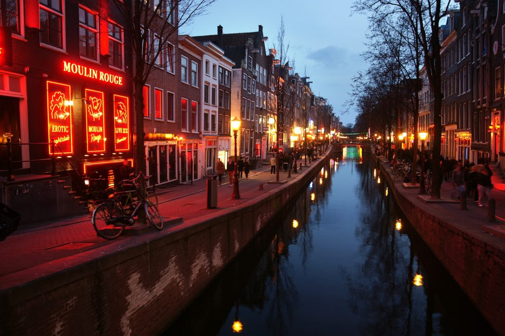 Strict rules for tour groups are already in place in Amsterdam's red light district