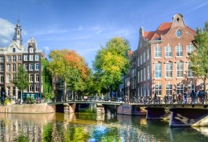 Best time to travel to Amsterdam in 2021