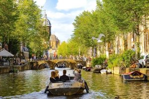 Best time to travel to Amsterdam in 2020