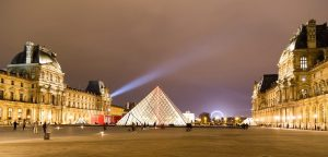 Is the Louvre closed due to the Coronavirus (COVID-19)