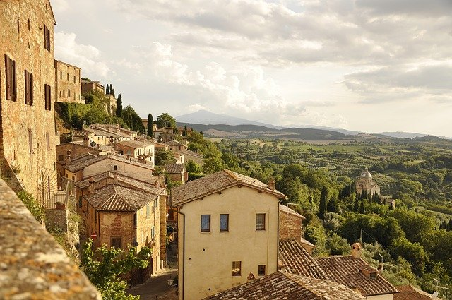 Italy Best time to visit Tuscany