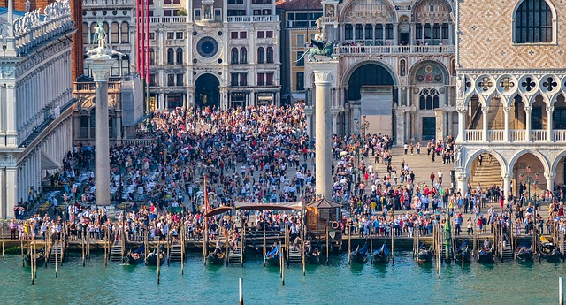 Big crowds at Doges Palace and St Marks Basilica