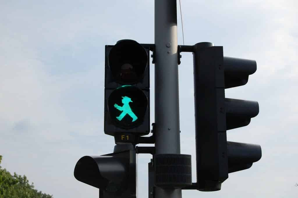 Germany traffic lights no jaywalking