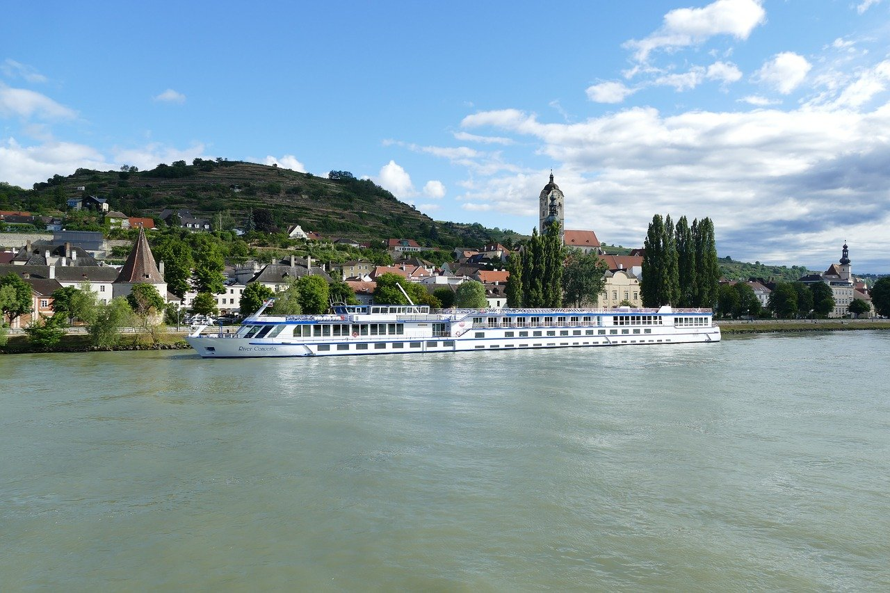 The Advantages of Choosing Small Ship Cruises